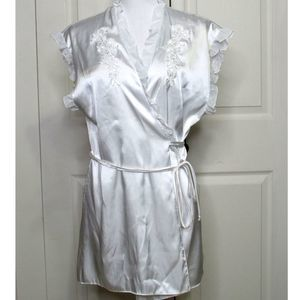 Linea Donatella White Ruffle Bridal Peignoir Robe